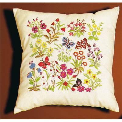 Coussin broderie Mille Fleurs Princesse