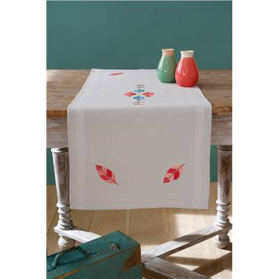 Plumes - Chemin de table broderie traditionnelle - Vervaco