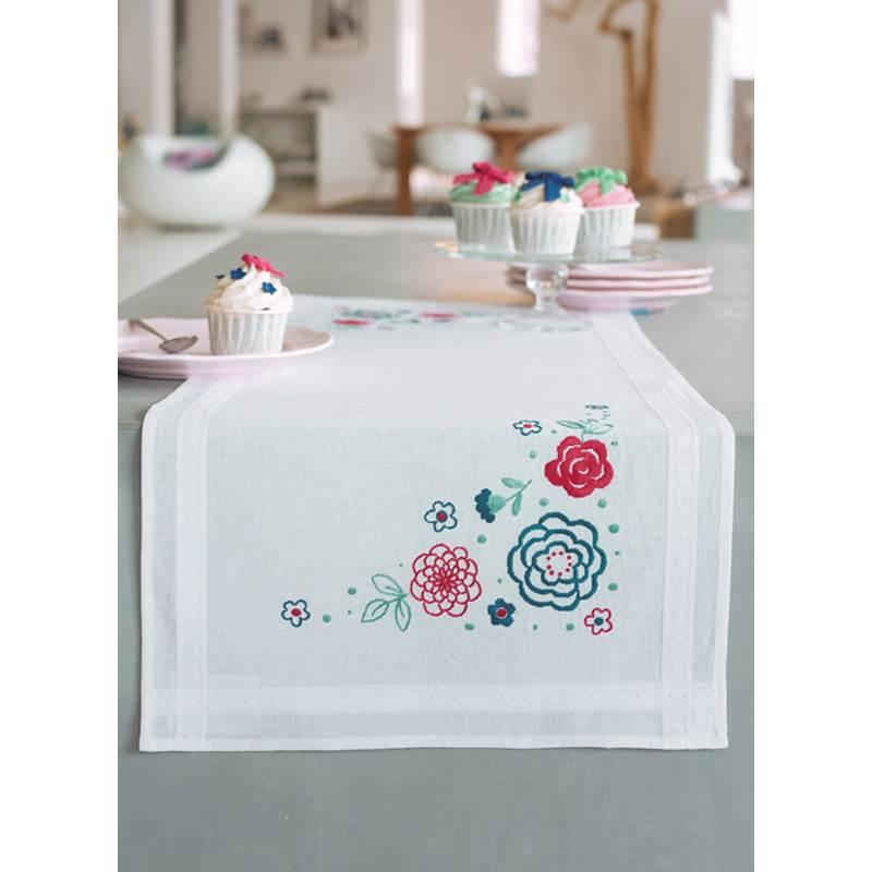chemin de table broder vervaco fleurs modernes pn. Black Bedroom Furniture Sets. Home Design Ideas